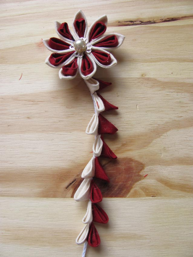 red wine and ivory kanzashi by yinco