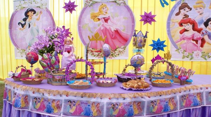Decoracion de la fiesta de princesas Disney by Artematico