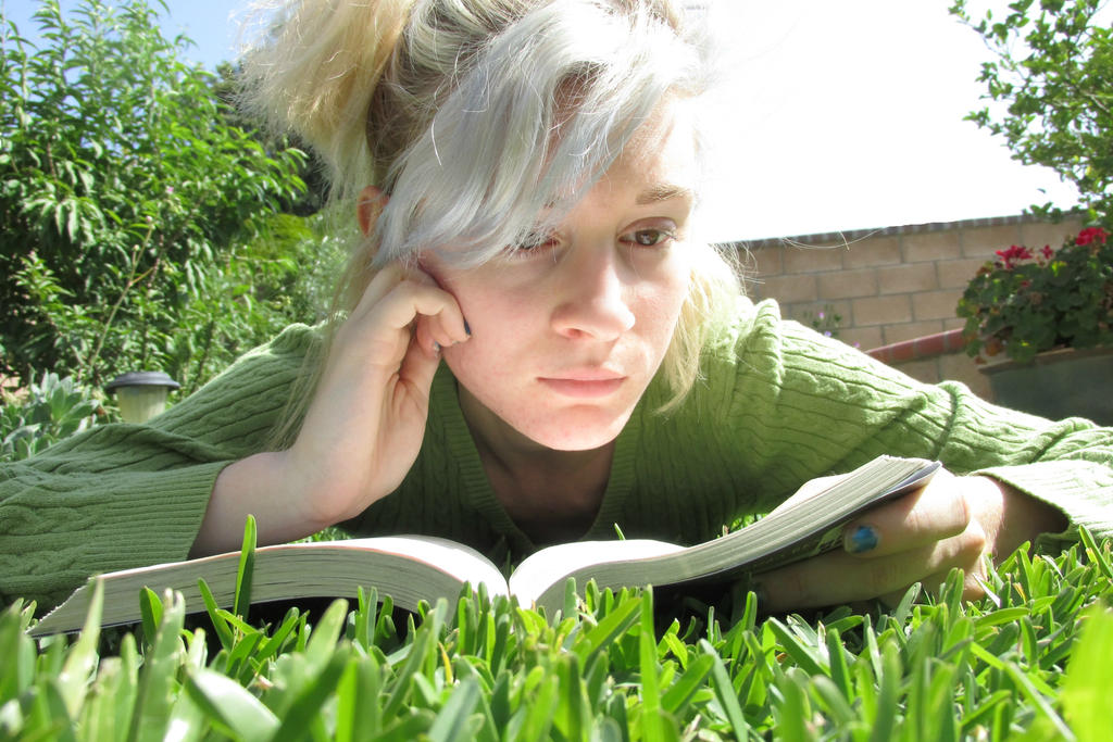reading by empresscotton on - photo #1