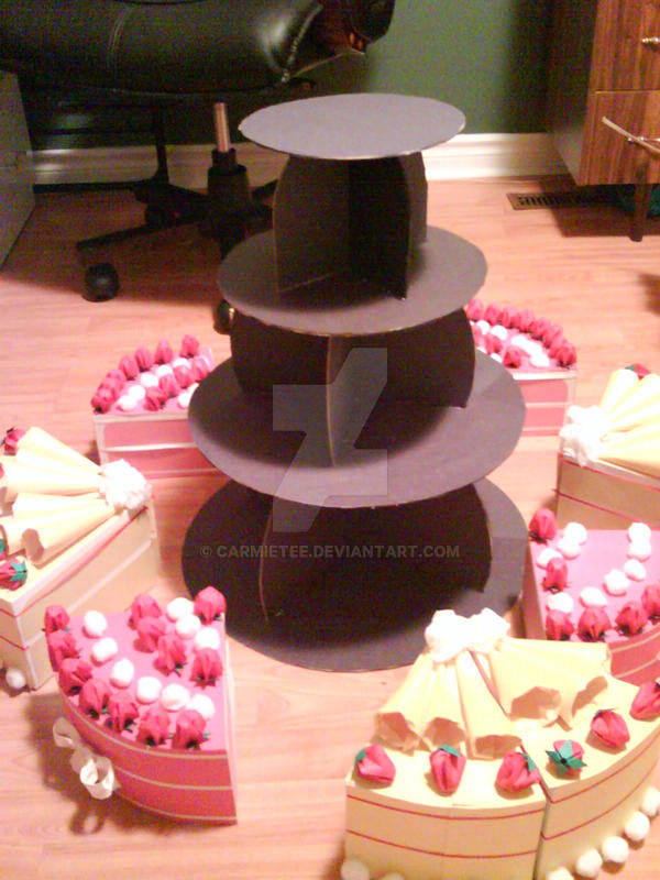 The Cake Display by carmietee