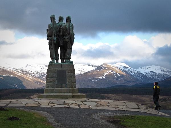 Commando Monument 3 by honz12
