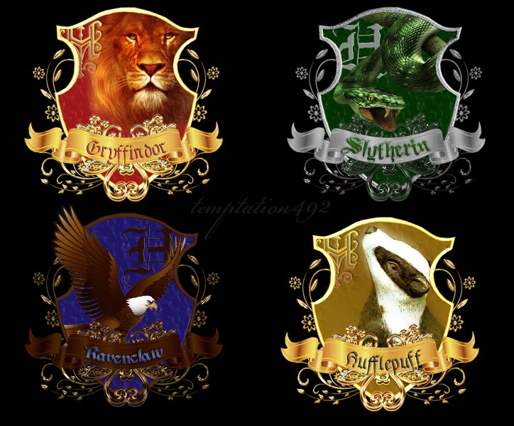 Hogwart's Crest by temptation492