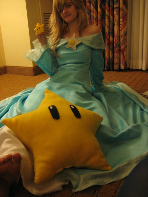 Rosalina loves her Lumas by Juju-gurl