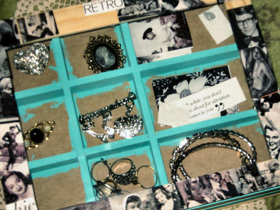 WIP - Retro Jewelry Box by shesgonepostal