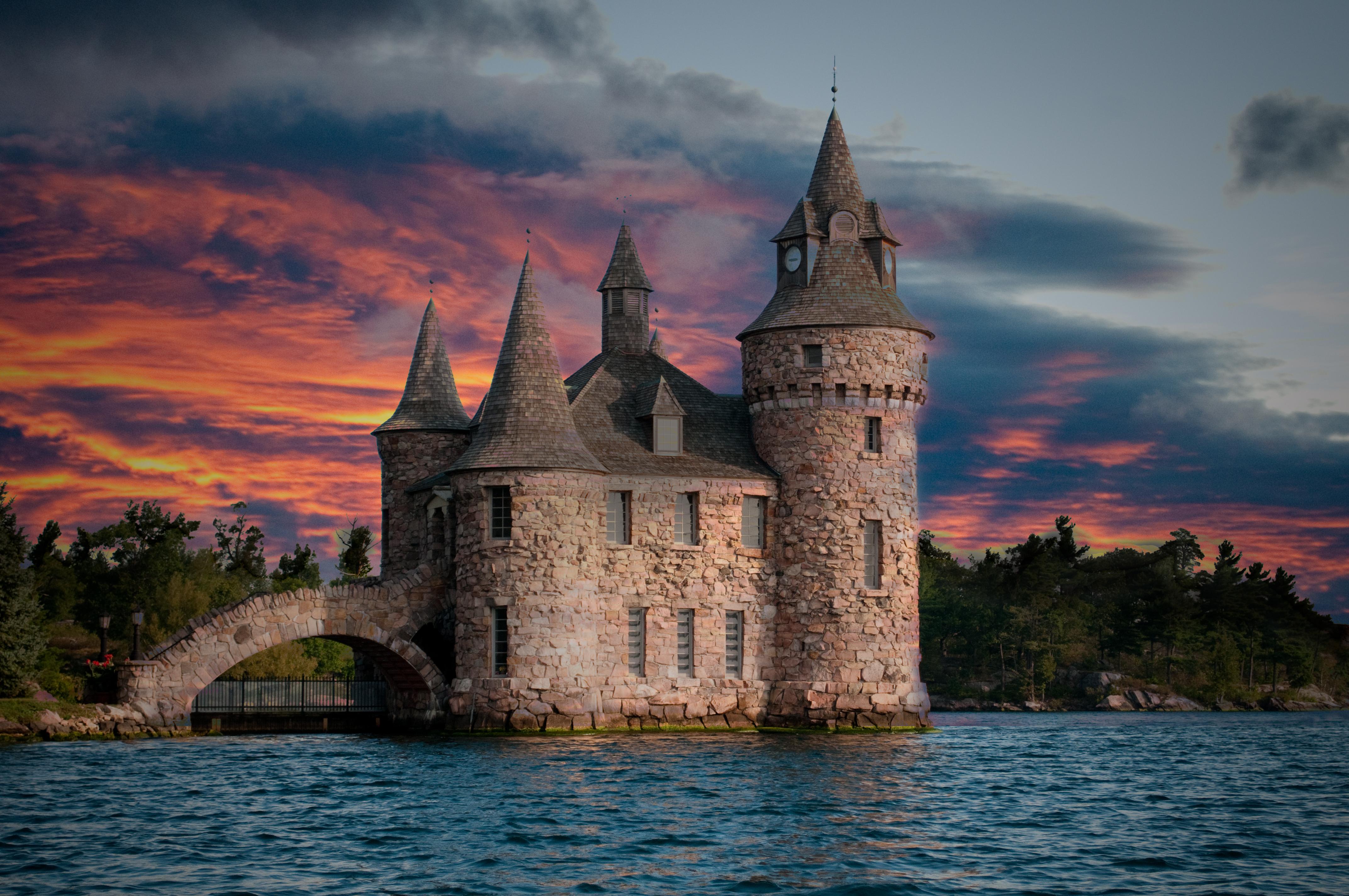 С догом в замке 14 фотография