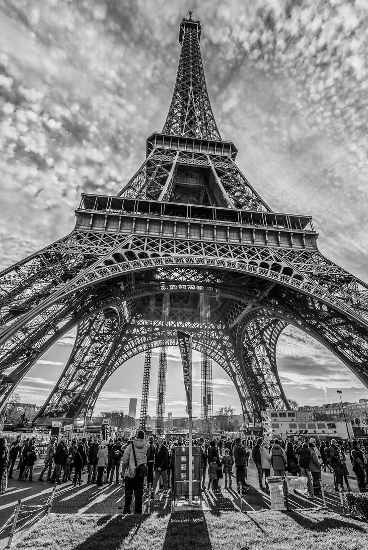 La Tour Eiffel by SgtBoognish