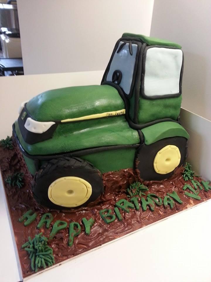 John Deere Tractor Cake 2 by lupuswynnejones on DeviantArt