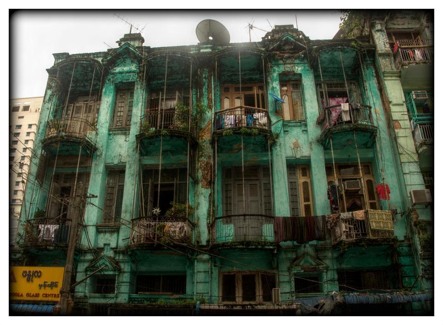 Mysteries of Yangon 1 by Isyala