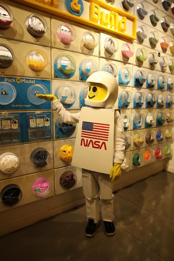 Lego Spaceman by wraamyth