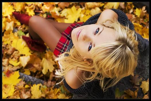 eyes full of autumn sky