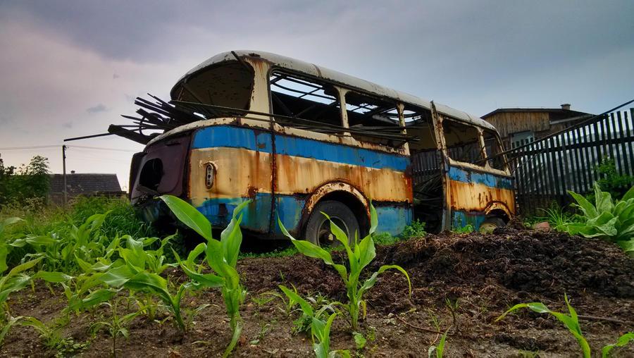 Retro bus by JiriBobalik