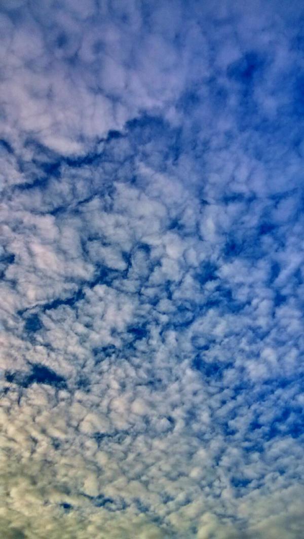 Morning sky by JiriBobalik