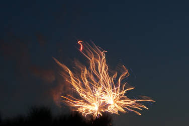 Distorted Fireworks 005 by thunderkracker