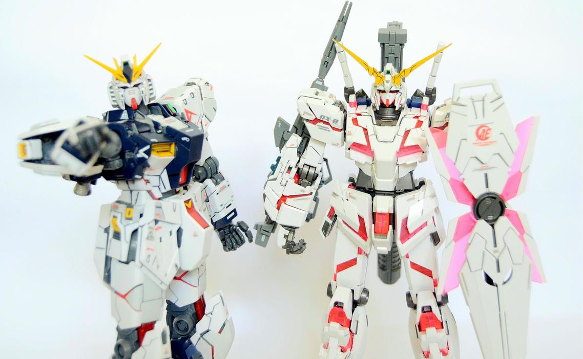 MG Unicorn Gundam and MG Nu Gundam by LetsGoFar