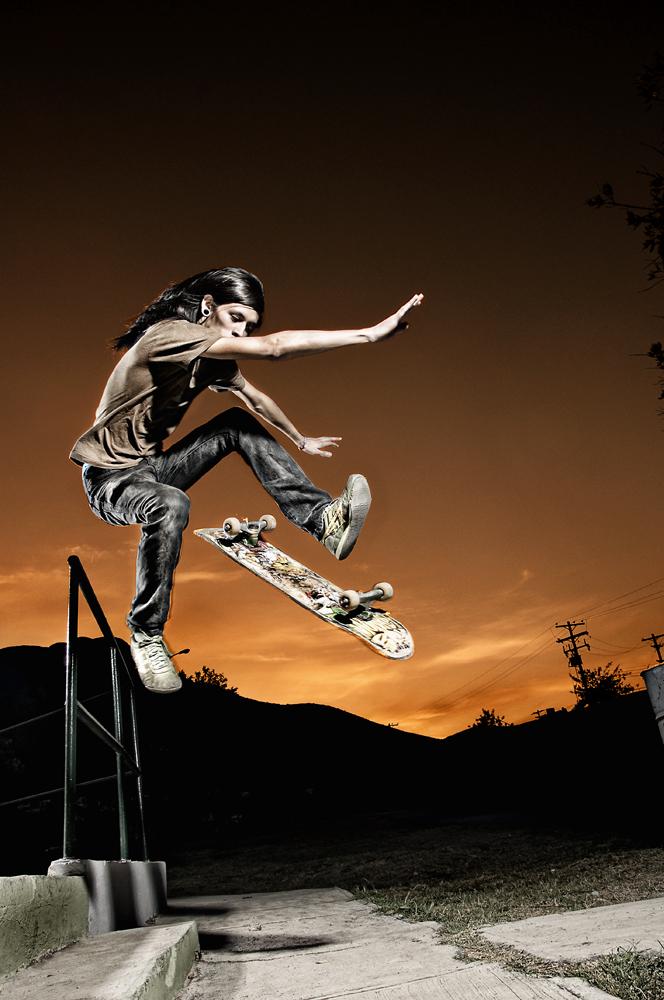 Skateboarding by Edercoree