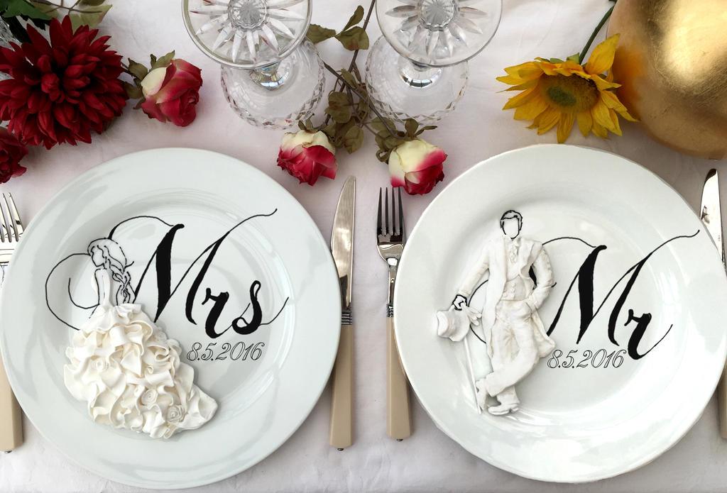 Mr and Mrs by mashalevene