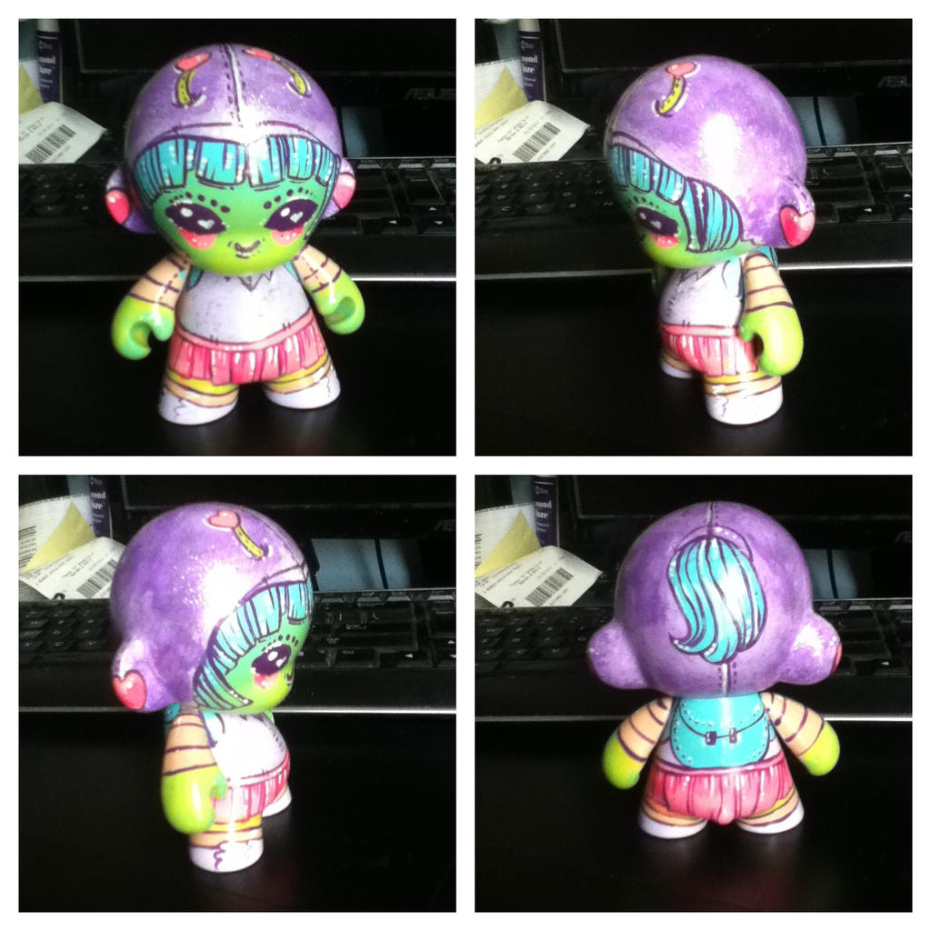 Rock-it Gurl Custom Vinyl Toy by marywinkler