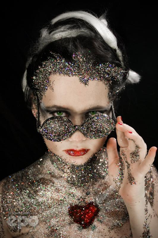 Beauty: Glitterface by ee-po