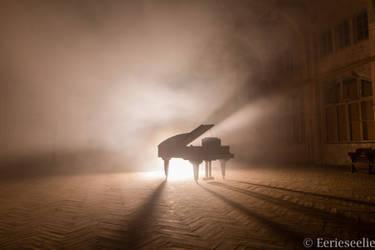 Piano II (Zolaq edition) by Eerieseelie