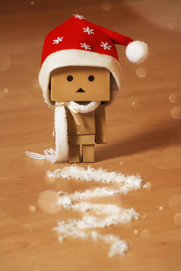 http://pre15.deviantart.net/2216/th/pre/i/2011/354/3/6/christmas_danbo_by_littlesweet-d4jnsq3.png