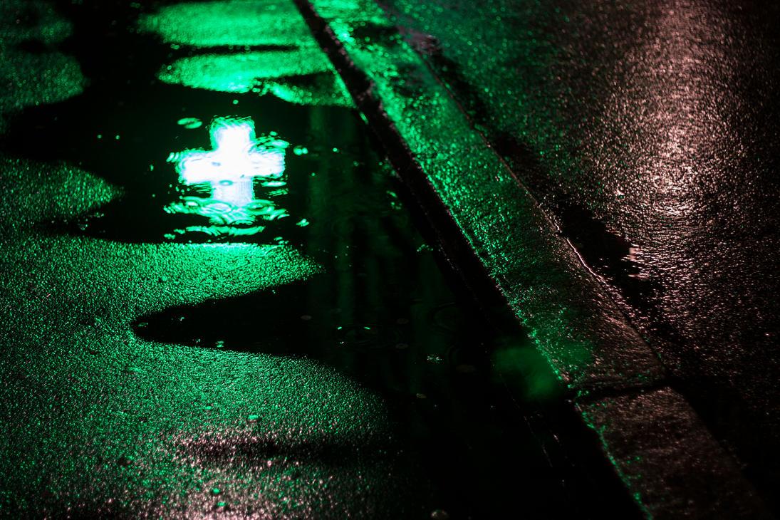 Light in Vogue - Cross by enkyl