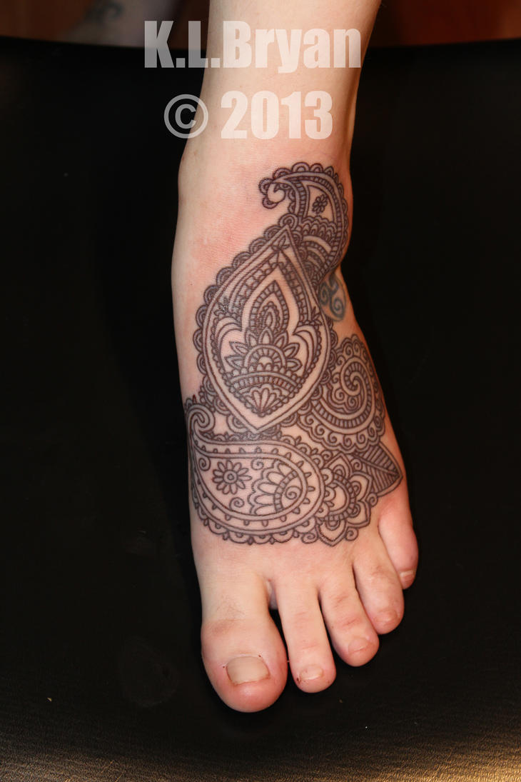 permanent henna foot tattoo by danktat on deviantart