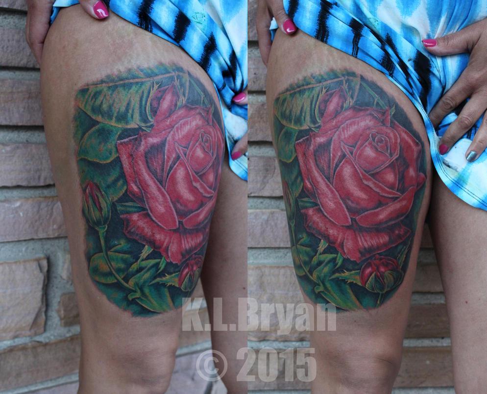 Big rose tattoo on thigh by danktat