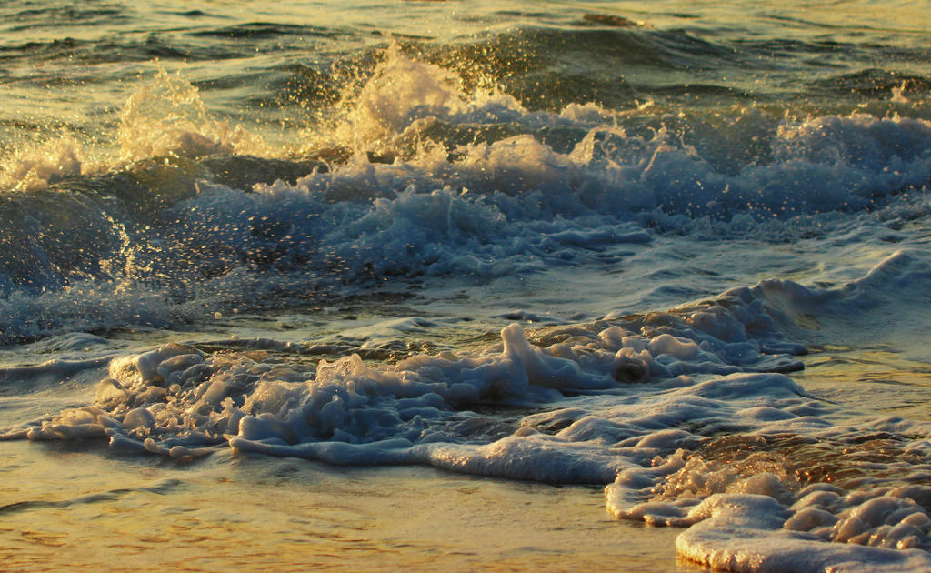 Waves at sea 2 by SvitakovaEva