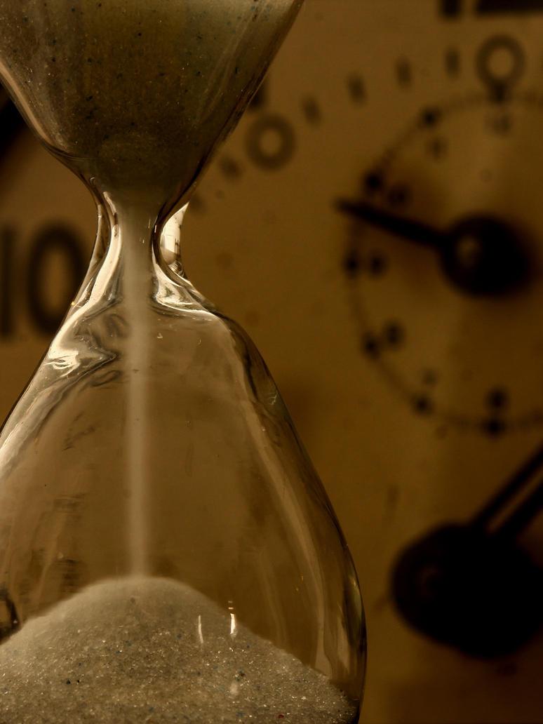 The time is running I by AlejandroCastillo
