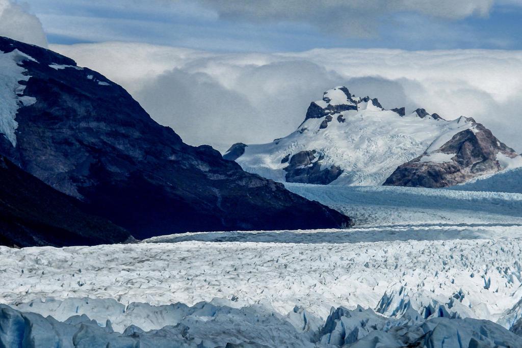Patagonian Ice IV - Perito Moreno Glacier by AlejandroCastillo