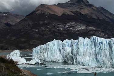 Patagonian ice VIII by AlejandroCastillo