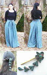 green hakama and kanzashi by absurdynka