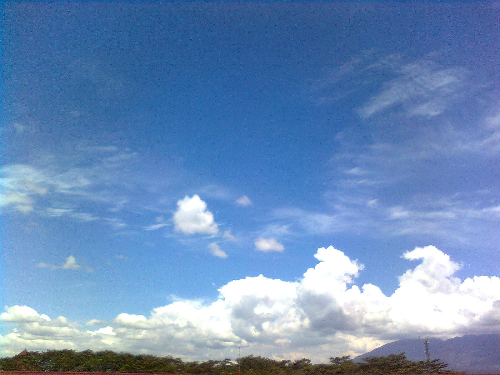 clear blue sky by faamiha on DeviantArt