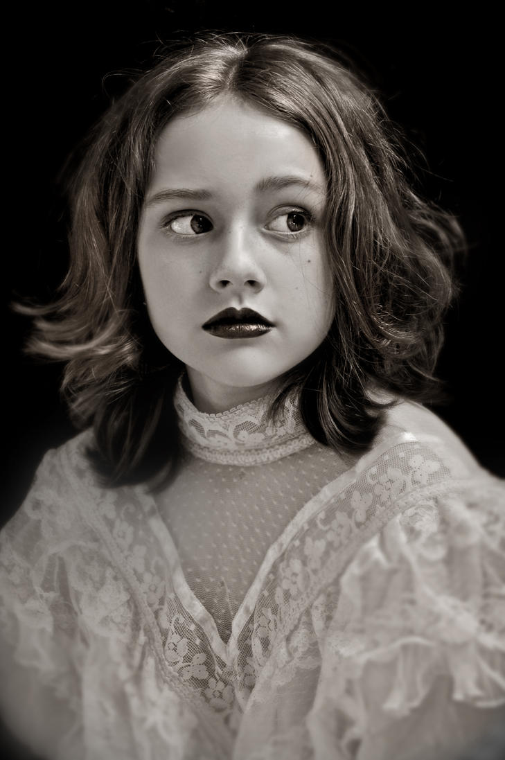 Portrait 1 by jemapellenicoletta