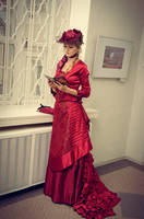 Dark-red victorian dress by Aquilina-das
