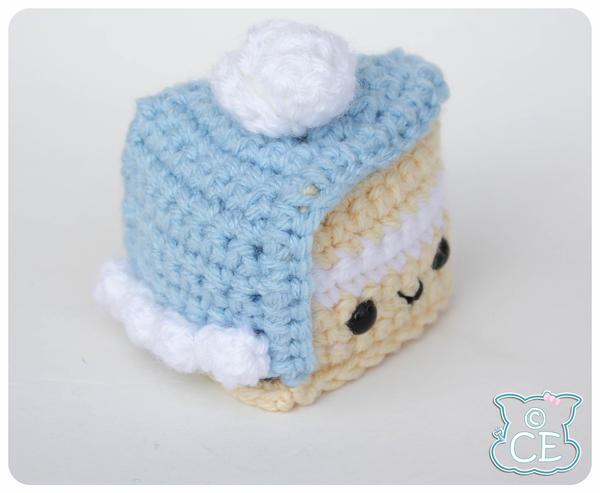Blue Fondant Cake 2 by moofestgirl