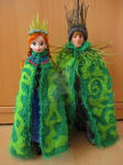 Frozen - Anna and Kristoff troll wedding capes