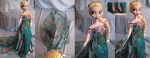 Elsa OOAK Doll from Frozen Fever - details