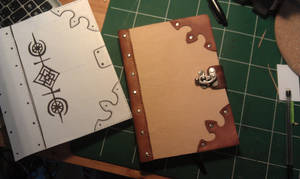 making a leather notebook ! cahier couverture cuir