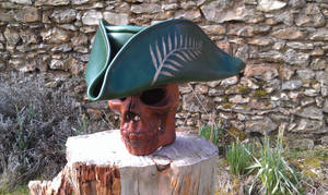 Tricorne vert fougere fern leaf pirate hat