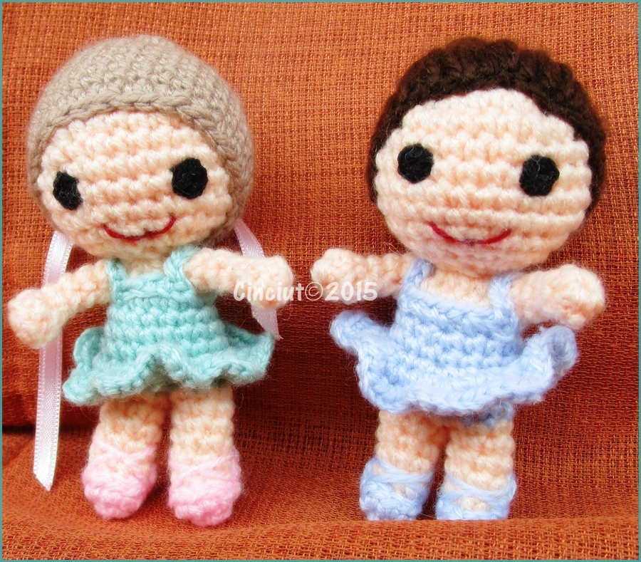 Crocheted dancers by Cinciut
