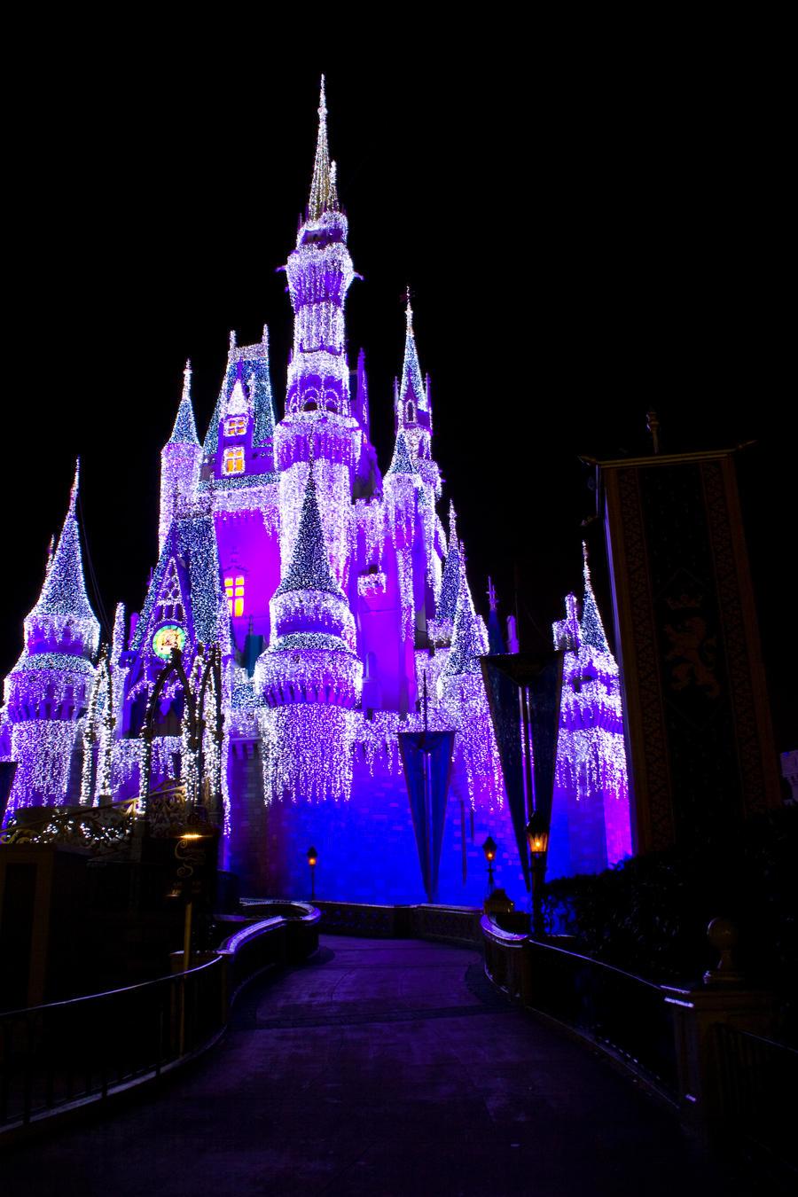 ... .com/toys-games/pr/walt-disney-world-cinderella-castle-sculpture.html