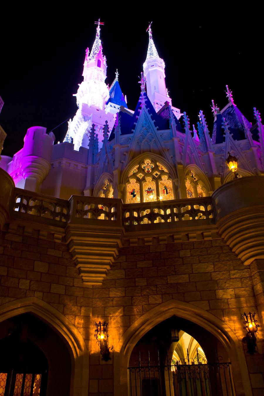 MK Cinderella Castle Xmas 24 by AreteStock