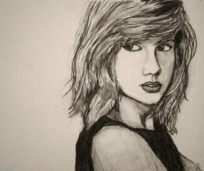 Taylor Swift w charcoal