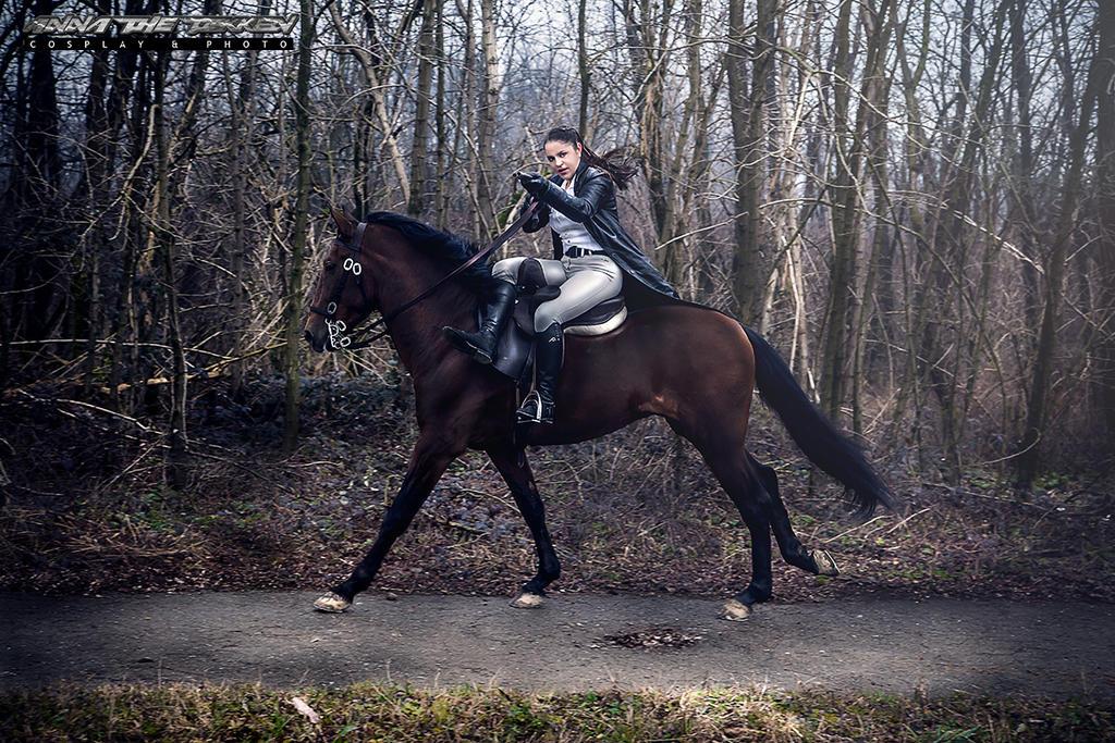 lara croft and horse