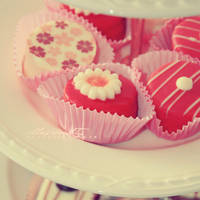 Petit Fours by illusionality