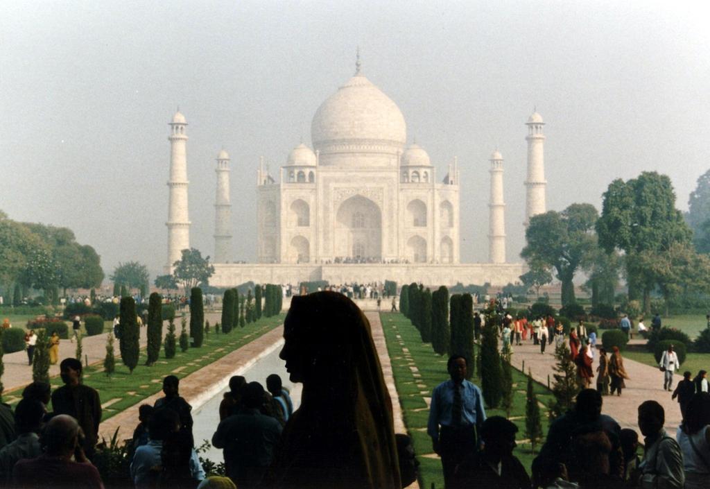 Taj Mahal by Kancano