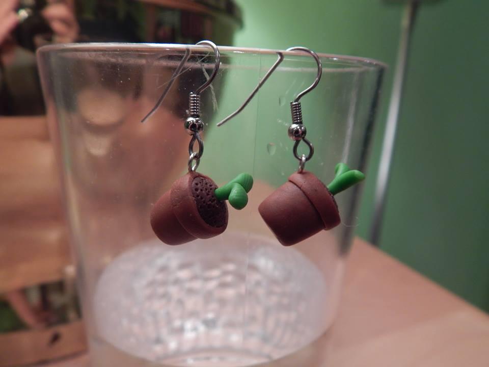 Seedling earrings by Skisicsmalone