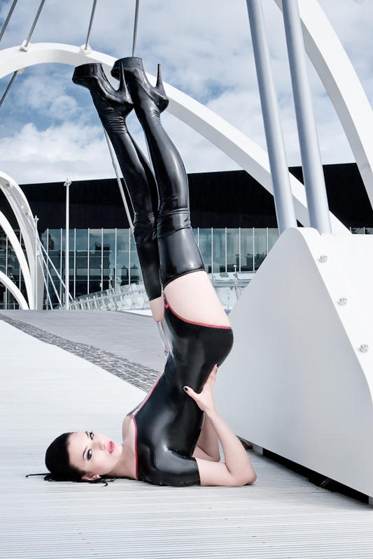 Vertical Latex by VictoriaVeins