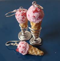 Scream for Ice cream Jewelry by PetitPlat
